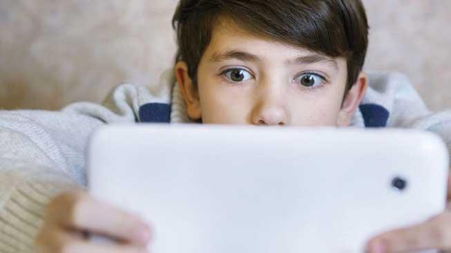 Ciri-Ciri Anak Sudah Kecanduan Gadget